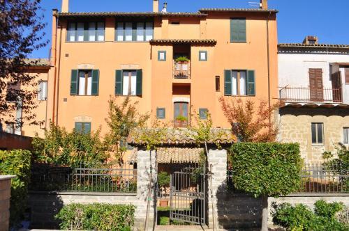 . Tuscany Location