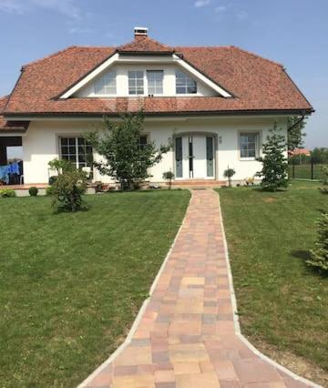 Charming house by the beautiful River Krka