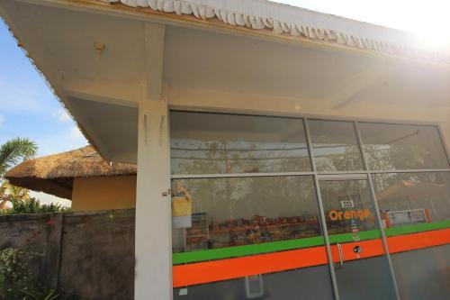 Orange Balangan Bungalow