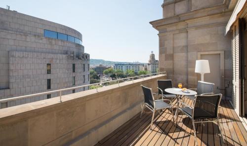 Unique Rentals - Placa Catalunya Central Apartments photo 7