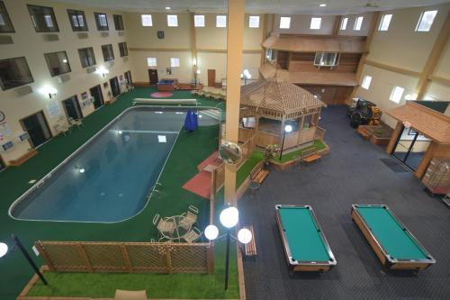 . Katahdin Inn & Suites