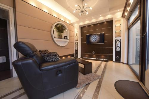 . H & V Residence - Bungalow Apartment
