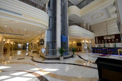 . Al Waleed Tower Hotel