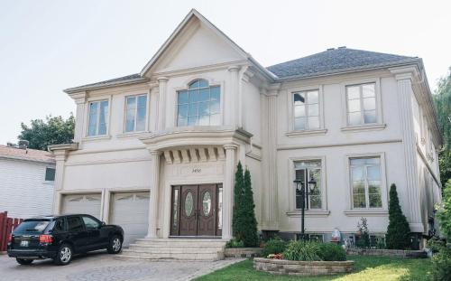 . JstLikeHome - Luxury Mansion