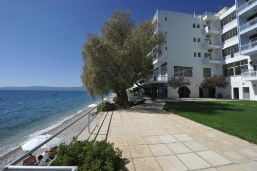 . Siagas Beach Hotel
