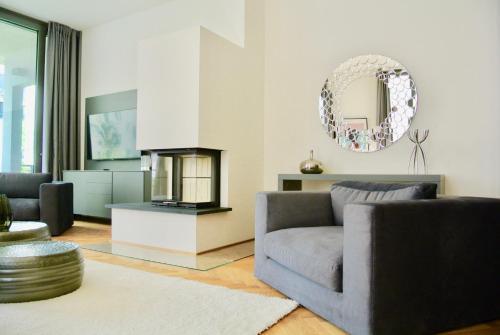 Bonusfeature Apartments - Photo 2 of 43