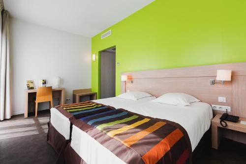 . Esatitude Hotel