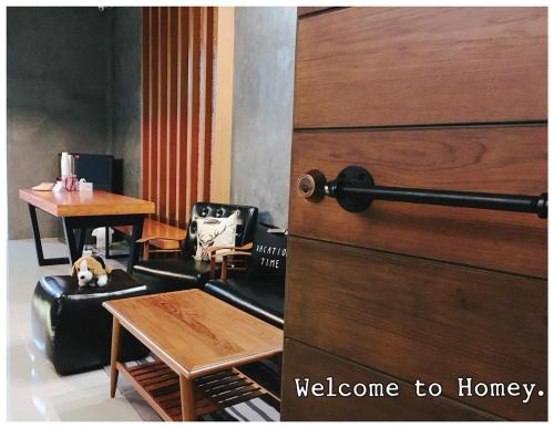 HOMEY-Donmueang Hostel photo 3