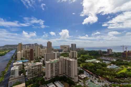 Sweeping Views.premium Suite.paradise Hotel - Honolulu, HI 96815