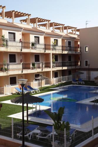 . Apartamentos Turisticos Aguilas de los Collados