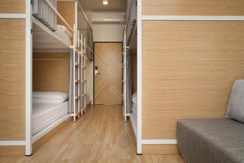 Bed One Block Hostel photo 38