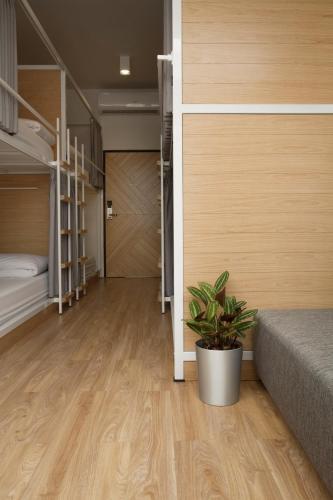 Bed One Block Hostel photo 39