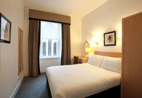Skene House Hotelsuites - Rosemount picture 1 of 30