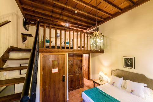 Triple Room Palacio de Santa Inés 8