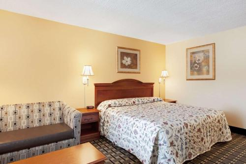 Knights Inn Mount Laurel - Mount Laurel, NJ 08054