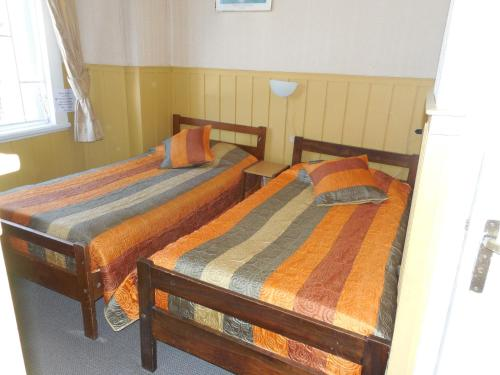 Chambre Lits Jumeaux avec Salle de Bains Privative (Twin Room with Private Bathroom)
