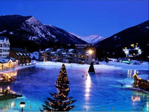 . 5 Min 2 Ski Slopes, Love Lakeside, Hot Tub and Pool, Free Shuttle, Wood Fireplace