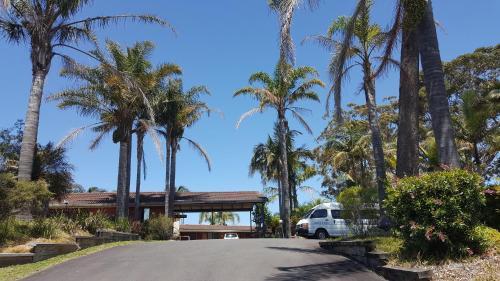 . Tabourie Lake Motor Inn
