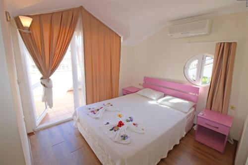 Fethiye Oasis Lettings A5 Villa tek gece fiyat