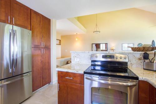 Palms at Wailea 1704 - Two Bedroom Condo - Wailea, HI 96753