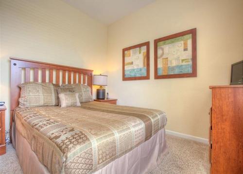Cozy Retreat - Three Bedroom Condominium