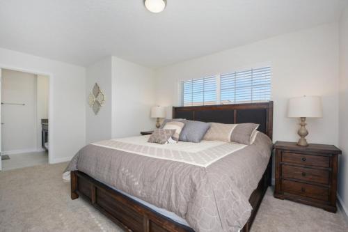 3074 Tom Sawyer Drive - Five Bedroom Townhome