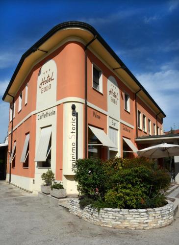 . Hotel Eolo