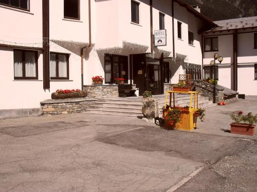 Hotel De La Telecabine Courmayeur