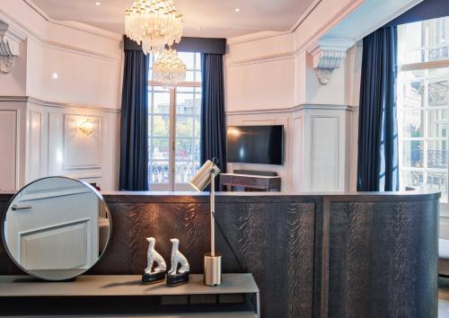 The Trafalgar St. James, London Curio collection by Hilton photo 48