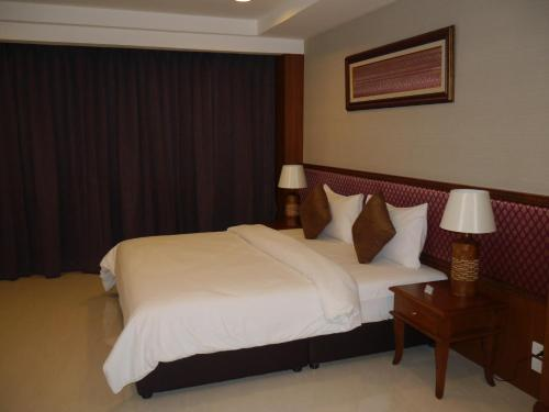 True Siam Rangnam Hotel photo 68