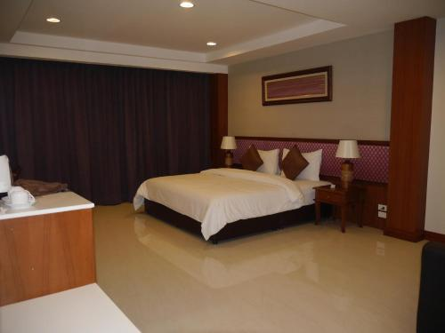 True Siam Rangnam Hotel photo 69