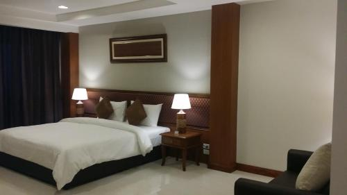 True Siam Rangnam Hotel photo 73