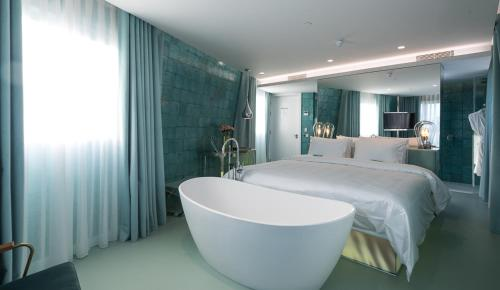 WC by The Beautique Hotels photo 34