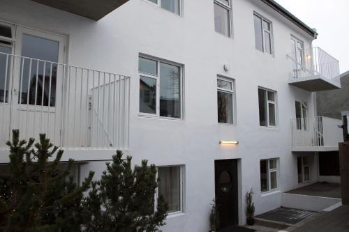 Grettir Apartments Main photo