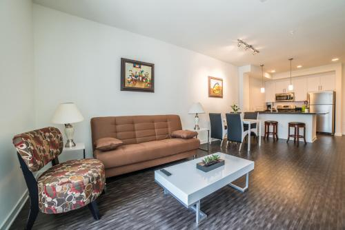 Downtown Helena Apartment - Los Angeles, CA 90015