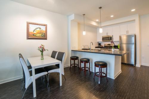 Downtown Violet Apartment - Los Angeles, CA 90015
