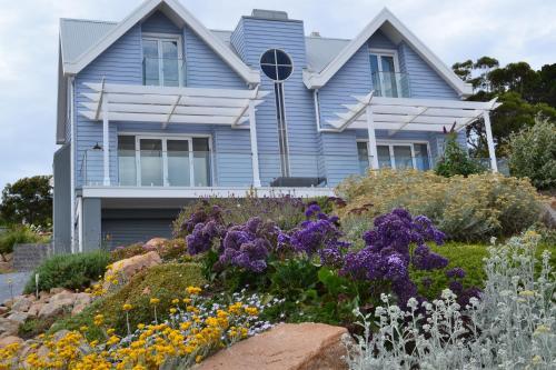 Sapphire Shores Luxury Retreat