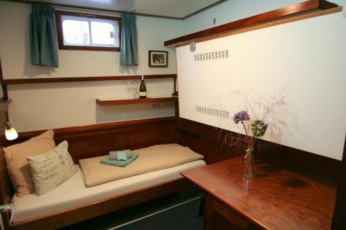 Hotelboat Fiep photo 32