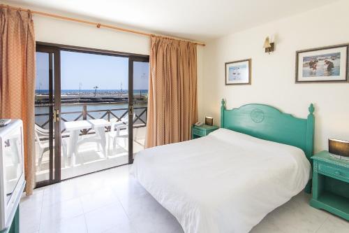 Hd Beach Resort 50