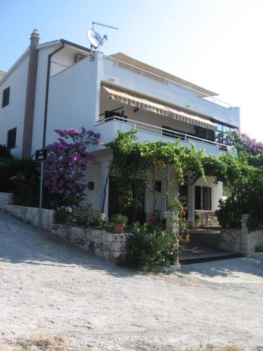 Hotel Apartments with a parking space Seget Vranjica (Trogir) - 11273