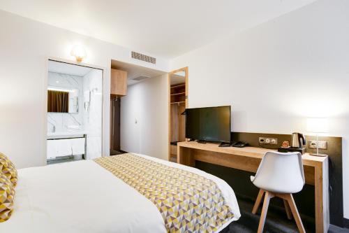 Brit Hotel Confort Loches