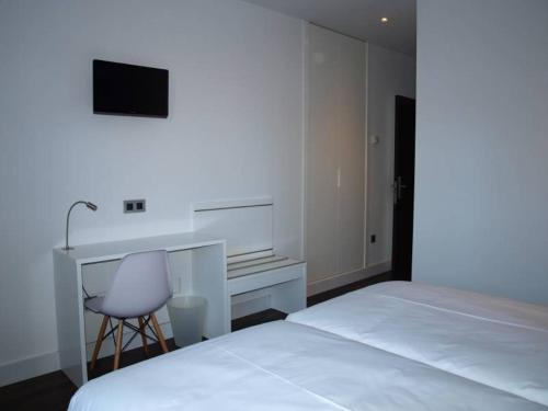 Standard Twin Room - single occupancy Hotel Las Casas de Pandreula 30