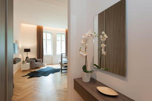 . SRS Apartments München