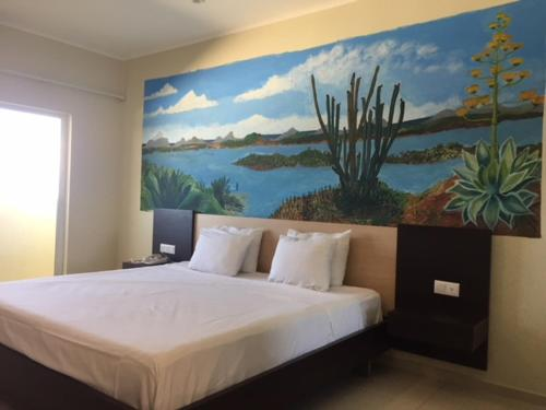 Budget King Room - No Window Curacao Airport Hotel