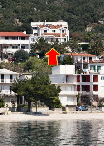 Apartments By The Sea Igrane (Makarska) - 5266