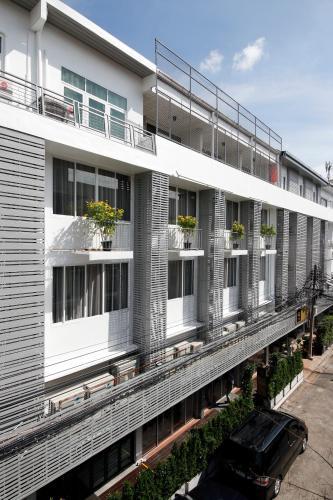 Ratchadamnoen Residence impression