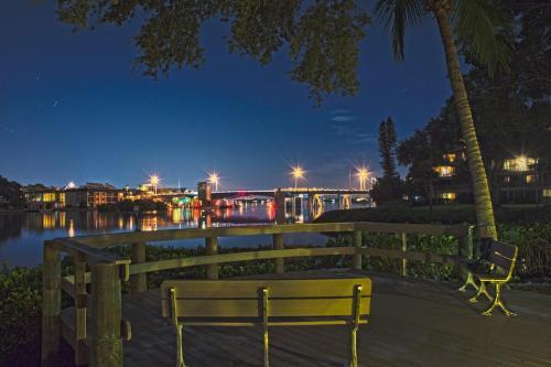 224f Condo At Sarasota With Intercoastal Waterway View