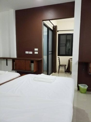 BC Guesthouse Si Phraya photo 12