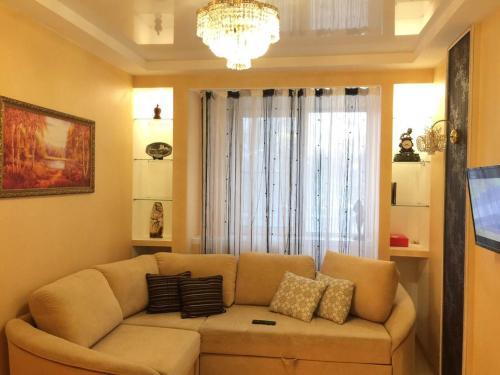 . Apartment on Preobrazhenskaya 82-1