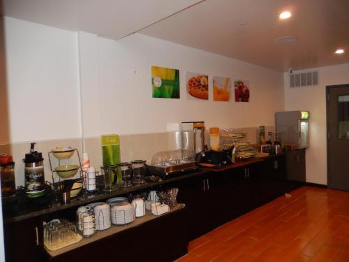 Quality Inn Near Sunset Park Hotel Brooklyn In Ny
